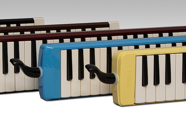 Several Pianicas of various colors.