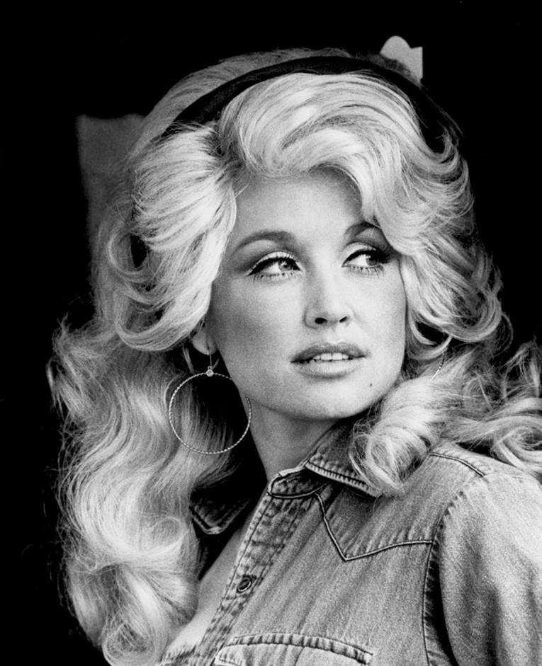 Portrait of Dolly Parton.