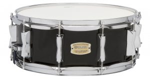 Snare drum with wooden shell.