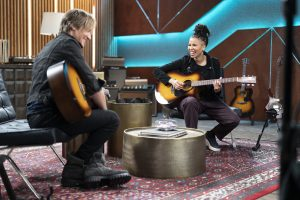 Keith Urban jamming with JUNO.